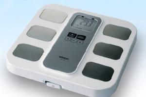 Omron Weegschaal/lichaamsvetmeter HBF-400